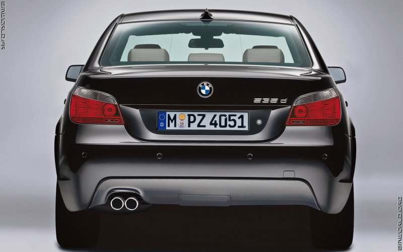 535d e60 berline pack m 2004 voiture de srie fonds d 39 cran le monde des bmw. Black Bedroom Furniture Sets. Home Design Ideas