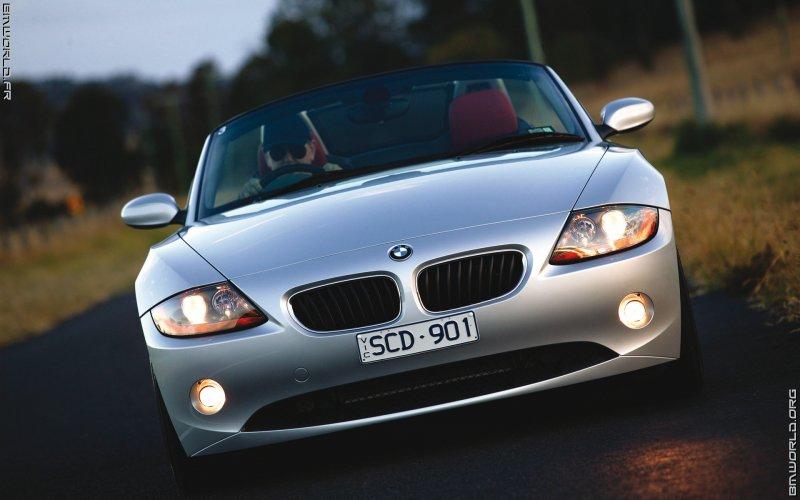 z4 e85 roadster 2003 voiture de s rie fonds d 39 cran le monde des bmw. Black Bedroom Furniture Sets. Home Design Ideas
