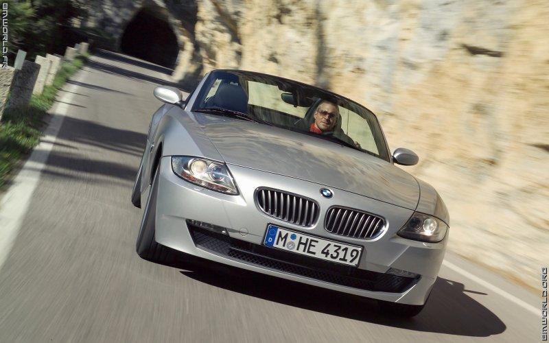 z4 e85 roadster 2005 voiture de s rie fonds d 39 cran le monde des bmw. Black Bedroom Furniture Sets. Home Design Ideas