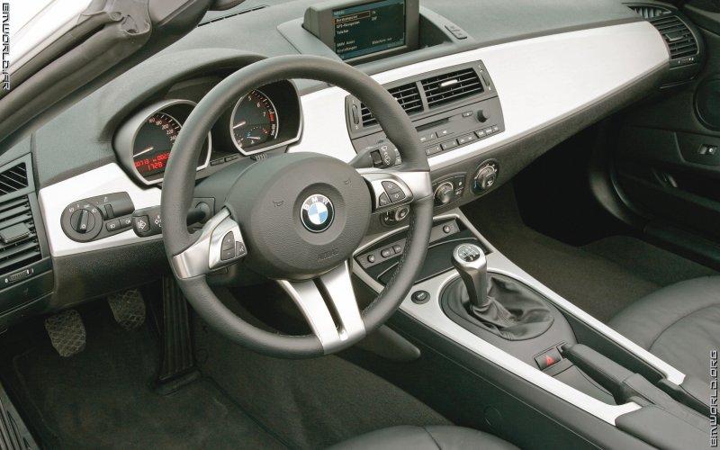 z4 e85 roadster 2006 voiture de s rie fonds d 39 cran le monde des bmw. Black Bedroom Furniture Sets. Home Design Ideas